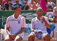 Zandvoort, Netherlands, 05 June, 2016, Tennis, Playoffs Competition, Niels Dessin (NED) on the bench during changeover with coach Burgersdijk<br /> Photo: Henk Koster/tennisimages.com