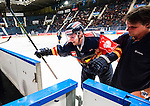 Stockholm 2015-09-04 Ishockey CHL Djurg&aring;rdens IF - EV Zug :  <br /> Djurg&aring;rdens Alexander F&auml;llstr&ouml;m f&aring;r hj&auml;lp av isen efter en skada i den andra perioden under matchen mellan Djurg&aring;rdens IF och EV Zug <br /> (Foto: Kenta J&ouml;nsson) Nyckelord:  Ishockey Hockey CHL Hovet Johanneshovs Isstadion Djurg&aring;rden DIF Zug skada skadan ont sm&auml;rta injury pain depp besviken besvikelse sorg ledsen deppig nedst&auml;md uppgiven sad disappointment disappointed dejected