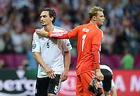 FUSSBALL  EUROPAMEISTERSCHAFT 2012   HALBFINALE Deutschland - Italien              28.06.2012 Mats Hummels (li)  und Torwart Manuel Neuer (re, beide Deutschland) enttaeuscht