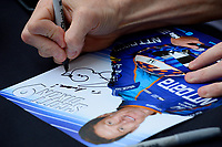 Verizon IndyCar Series<br /> Indianapolis 500 Drivers Meeting<br /> Indianapolis Motor Speedway, Indianapolis, IN USA<br /> Saturday 27 May 2017<br /> Driver's autograph session: Scott Dixon, Chip Ganassi Racing Teams Honda signs his &quot;hero&quot; card.<br /> World Copyright: F. Peirce Williams