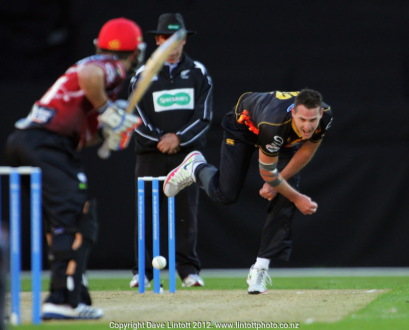 Shaun Tait bowls during the HRV Cup Twenty20 cricket match between Wellington Firebirds and Canterbury Wizards at Westpac Stadium, Wellington, New Zealand on Friday, 9 November 2012. Photo: Dave Lintott / lintottphoto.co.nz
