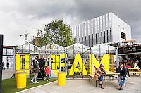 Nederland Eindhoven 2016 04 23. De campus van de Technische Universiteit Eindhoven transformeert op vrijdag 22 tot en met zondag 24 april tot een festivalterrein in het kader van het 60-jarig bestaan van de universiteit. Technologie, innovatie, muziek, kunst, debat, wetenschap en een veelzijdige food line-up zullen de campus tot een levendig terrein omtoveren. Het Dream Paviljoen waarin de geschiedenis van de Universiteit getoond wordt.  Foto Berlinda van Dam / Hollandse Hoogte