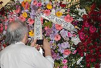 RIO DE JANEIRO, 07 DE DEZEMBRO 2012 - MORTE OSCAR NIEMEYER - Arquiteto Rui Otake durante velorio do arquiteto Oscar Niemeyer no Palacio da Cidade (sede da Prefeitura do Rio de Janeiro) no bairro de Botafogo regiao sul da capital fluminensena manha desta quinta-feira, 07 dezembro. O arquiteto morreu na quarta-feira, 05 dezembro à noite vítima de infecção respiratória, aos 104 anos. FOTO: VANESSA CARVALHO - BRAZIL PHOTO PRESS.
