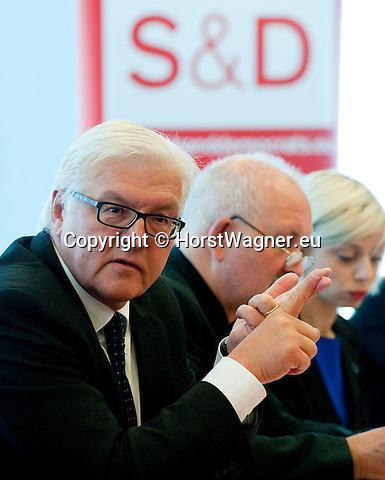 Brussels - Belgium, June 05, 2012 -- MdB Frank-Walter STEINMEIER, chairman of the SPD's parliamentary group in the Bundestag (German Parliament), for political talks in Brussels; here, with MEPs of SPD's group in the EP -- Photo: © Horst Wagner;  +32 486 966 116; horst.wagner@skynet.be