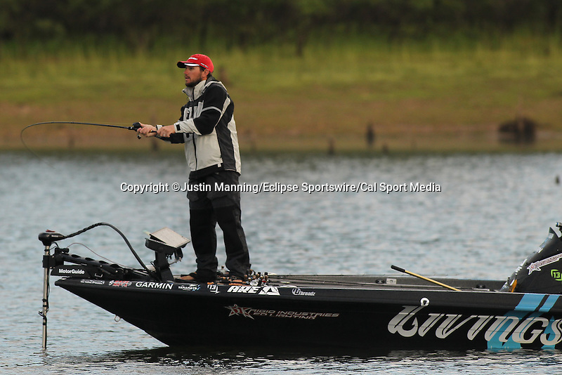 August 22, 2015: Stetson Blaylock working the banks with a topwater bait on day three of the Forrest Wood Cup on Lake Ouachita in Hot Springs, AR. Justin Manning/ESW/CSM