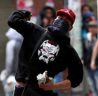 SOACHA -COLOMBIA , 12 -02-2016.Disturbios y bloqueos contra el Transmilenio ./ throwing stones and blockades against Transmilenio. Photo: VizzorImage / Felipe Caicedo / Staff