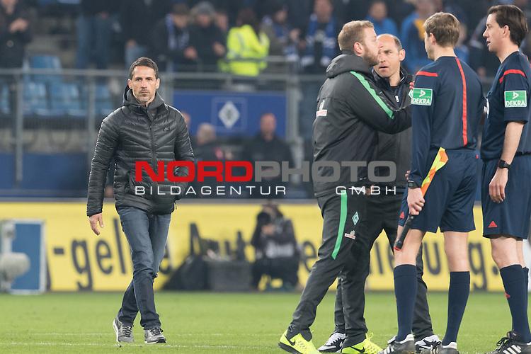 23.04.2016, Volksparkstadion, Hamburg, GER, 1.FBL. Hamburger SV vs Werder Bremen , im Bild<br /> <br /> entt&auml;uscht / enttaeuscht / traurig /<br /> Thomas Eichin (Geschaeftsfuehrer Sport Werder Bremen)<br /> <br /> <br /> Foto &copy; nordphoto / Kokenge