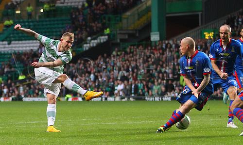 01.11.2014.  Glasgow, Scotland. Scottish Premier League. Celtic versus Inverness Caledonian Thistle. John Guidetti shoots on goal