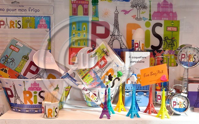"PARIS - FRANCE - 08 MAY 2011 -- Paris travel city photos. -- The window display of the souvenir shop ""Eva Baz' Art"" on Rue Saint-Andre des Arts 53. -- PHOTO: Juha ROININEN / EUP-IMAGES"