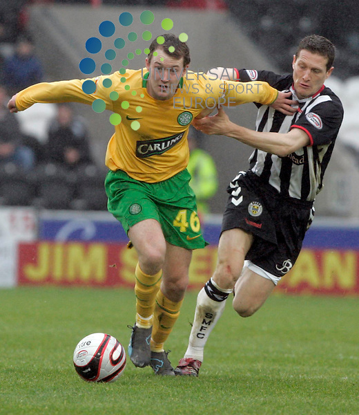 Aiden McGeady takes on Hugh Murray during the St Mirren v Celtic Fc, 6th round of the Scottish Cup, Paisley..Picture: Universal News and Sport - 7/03/2009.............. ........... .