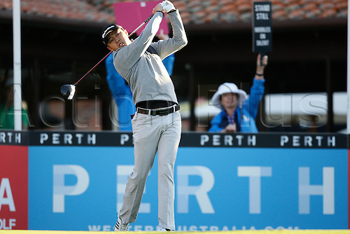 25.02.2016. Perth, Australia. ISPS HANDA Perth International Golf. David Lipsky (USA) hits his first shot for the tournament on tee 1 day 1.