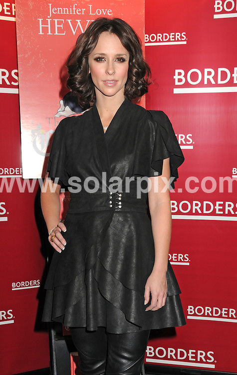 **ALL ROUND PICTURES FROM SOLARPIX.COM**.**SYNDICATION RIGHTS FOR UK, AUSTRALIA, DENMARK, PORTUGAL, S. AFRICA, SPAIN & DUBAI.The Day I Shot Cupid Book Signing at Borders, 100 Broadway / New York City, NY, USA, 25 March 2010.This pic: Jennifer Love Hewitt.JOB REF: 10986    PHZ mayer DATE: 25_03_2010.**MUST CREDIT SOLARPIX.COM OR DOUBLE FEE WILL BE CHARGED**.**MUST NOTIFY SOLARPIX OF ONLINE USAGE**.**CALL US ON: +34 952 811 768 or LOW RATE FROM UK 0844 617 7637**
