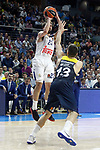 Real Madrid's Sergio Llull (l) and Fenerbahce Istambul's Bogdan Bogdanovic during Euroleague, Regular Season, Round 29 match. March 31, 2017. (ALTERPHOTOS/Acero)