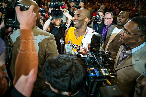 13.04.2016. Los Angeles, California, USA. Kobe Bryant is surrounded by players and former players after scoring 60 points in the final game of his career against the against the Utah Jazz. April 13, 2016. Los Angeles, CA. The Lakers defeated the Jazz 101-96