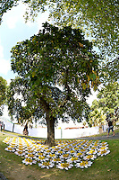Mia Hamilton, Daisy Blanket, Shapeshifter 2014, Civic Gardens, Lower Hutt, Wellington, New Zealand on Sunday 2 March2014.<br /> Photo by Masanori Udagawa.<br /> www.photowellington.photoshelter.com.