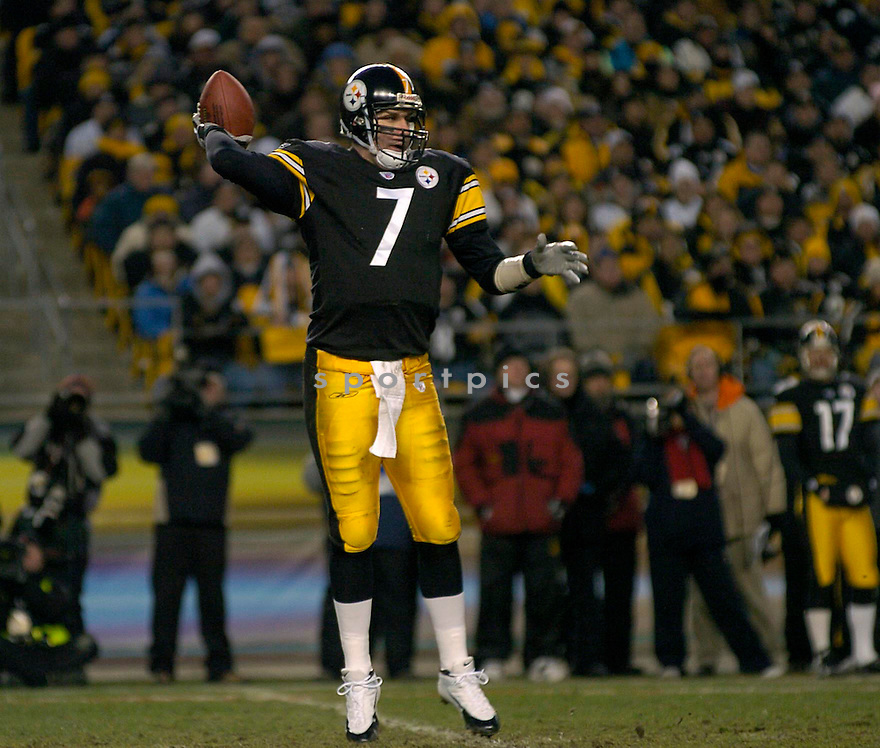 Ben Roethlisberger, of the Pittsburgh Steelers  against  the New York Jets on 1/15/05..Steelers win 20-17..David Durochik / SportPics