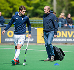 BLOEMENDAAL -  coach Michel van den Heuvel (Bldaal) voor  de hoofdklasse competitiewedstrijd hockey heren,  Bloemendaal-Den Bosch  COPYRIGHT KOEN SUYK