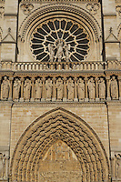 Portal of the Last Judgement, Kings' Gallery and the large rose, forming a halo above the statue of the Virgin with Child between two angels, centre of the West façade, Notre Dame de Paris, 1163 ? 1345, initiated by the bishop Maurice de Sully, Ile de la Cité, Paris, France. Picture by Manuel Cohen