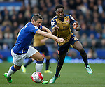 Danny Welbeck of Arsenal gets ahead of Phil Jagielka of Everton during the Barclays Premier League match at The Goodison Park Stadium. Photo credit should read: Simon Bellis/Sportimage
