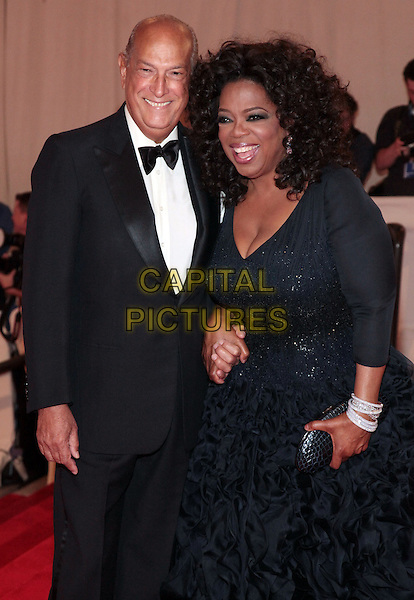 NEW YORK - MAY 03:  (L-R) Oscar De La Renta and Oprah Winfrey  attend the Costume Institute Gala Benefit to celebrate the opening of the 'American Woman: Fashioning a National Identity' exhibition at The Metropolitan Museum of Art on May 3, 2010 in New York City.  BJPG/MediaPunch<br /> CAP/MPI/BJPG<br /> &copy;BJPG/MPI/Capital Pictures
