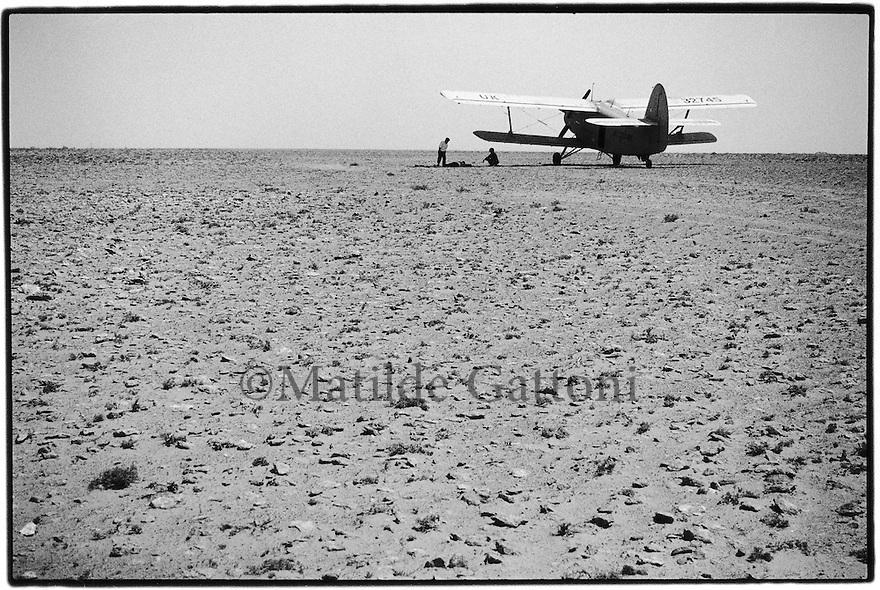 Uzbekistan - British air force plane on the way to Khiva