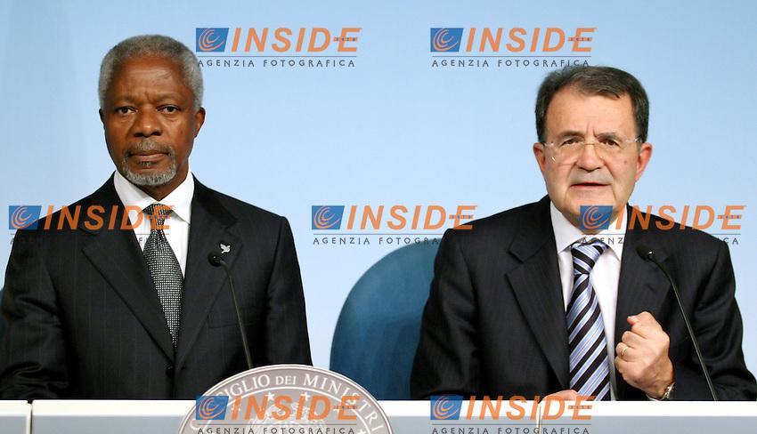 Roma 12-07-2006 Il Presidente del Consiglio Romano Prodi ha ricevuto, a Palazzo Chigi, il Segretario Generale dell'ONU Kofi Annan.<br /> Nella foto Kofi Annan  e Romano Prodi<br /> Photo Serena Cremaschi Insidefoto