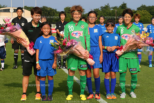 (L to R) <br /> Azusa Iwashimizu, <br /> Saori Ariyoshi, <br /> Mizuho Sakaguchi (Beleza), <br /> JULY 12, 2015 - Football / Soccer : <br /> 2015 Plenus Nadeshiko League Division 1 <br /> between NTV Beleza 1-0 AS Elfen Saitama <br /> at Hitachinaka Stadium, Ibaraki, Japan. <br /> (Photo by YUTAKA/AFLO SPORT)