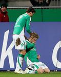 Ivan Klasnic - dreimal die Woche zur Blutwaesche - so lautet die Diagnose beim ehemaligen Werder Stuermer. Ivan ist auf eine neue Niere angwiesen - die von seinem Vater 2007 transplantierte Niere arbeitet nicht mehr. Nun wartet er auf eine neue Niere<br /> Archiv aus: <br />  FBL 2007/2008 17. Spieltag Hinrunde<br /> Werder Bremen - Bayer04 Leverkusen<br /> <br /> 1:1 Ausgleich durch Ivan Klasnic ( Bremen CRO #17 ) - sein erstes Tor nach seiner Nieren Transplation in der Bundesliga und sein erstes Tor im Comeback im Weserstadion<br /> Jubel mit Jurica Vranjes ( Bremen CRO#7 ) <br /> Foto: © nph ( nordphoto )