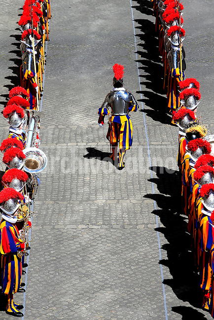 New Swiss Guard recruits during the swearing-in ceremony in San Damaso square at the Vatican on May 6, 2014