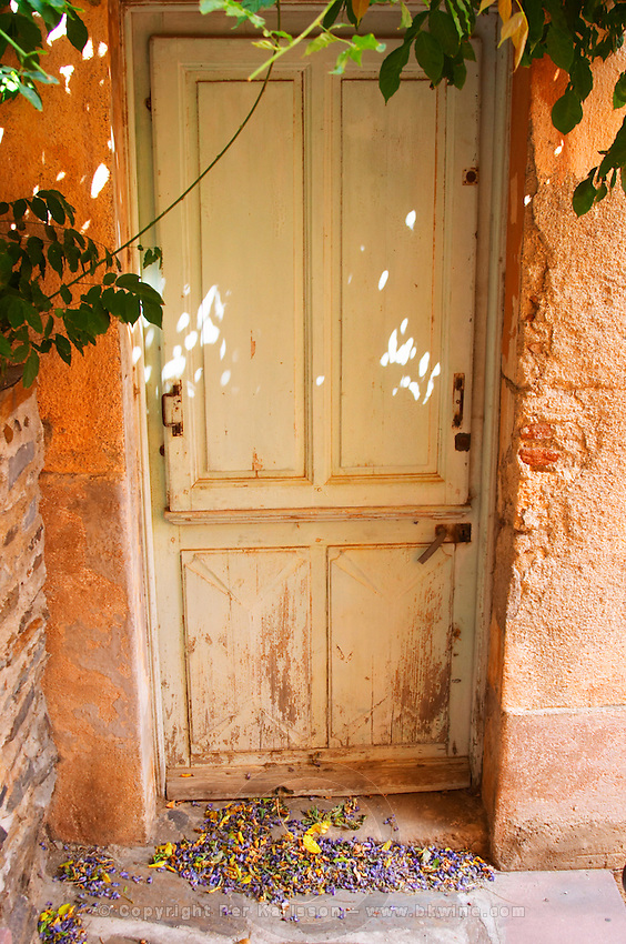 Collioure. Roussillon. A door. France. Europe.