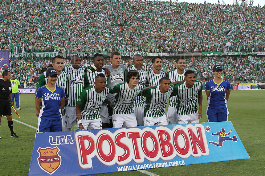 MEDELLÍN -COLOMBIA, 14-07-2013. Primer partido de la final de la Liga Postobón  entre Atlético Nacional e Independiente Santa Fe , jugado en el estadio Atanasio Girardot de la ciudad de Medellín ./First game of Postobón League final between Atletico Nacional and who corresponds Santa Fe, he played in the Atanasio Girardot stadium in Medellin<br />