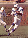 Baltimore Colts Lenny Moore (24) during a game against the Chicago Bear at Wrigley Field in Chicago, Illinois. Lenny Moore played for 12 season , all with the Baltimore Colts. He was a 7-time Pro Bowler and was inducted into the Pro Football Hall of Fame in 1975.(SportPics)