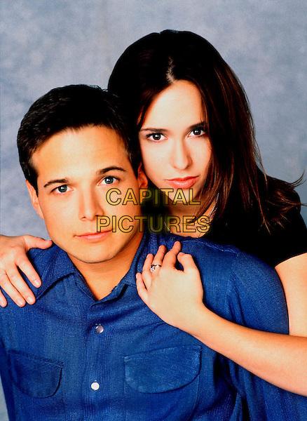 JENNIFER LOVE HEWITT & SCOTT WOLF.in Party of Five.Season 5: 98/99.Ref: FB.www.capitalpictures.com.sales@capitalpictures.com.Supplied by Capital Pictures