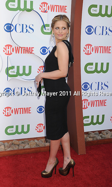BEVERLY HILLS, CA - AUGUST 03: Sarah Michelle Gellar arrives at the TCA Party for CBS, The CW and Showtime held at The Pagoda on August 3, 2011 in Beverly Hills, California.