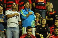 RECIFE, PE, 06.07.2017 - SPORT(BRA) - ARSENAL DE SARANDÍ(ARG) - Torcedores acompanham a partida entre Sport(BRA) e Arsenal de Sarandí(ARG), válida pela segunda rodada da Copa Sul-Americana 2017, realizada no estádio Ademar da Costa Carvalho (Ilha do Retiro), localizado na região metropolitana da cidade do Recife-PE, nesta quinta-feira, 6. ((Foto: Fernando da Hora/Brazil Photo Press)