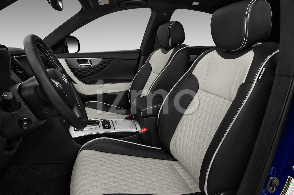 Front seat view of 2017 Infiniti QX70 3.7 5 Door SUV Front Seat  car photos
