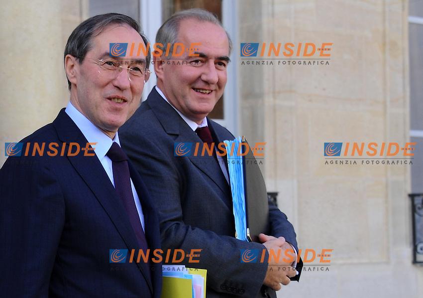 MICHEL MERCIER (S) Ministro della Giustizia .MAURICE LEROY Ministro per le citta' (D).Parigi 26/10/2011 CONSEIL DES MINISTRES.Foto Christian Liewig  / Insidefoto