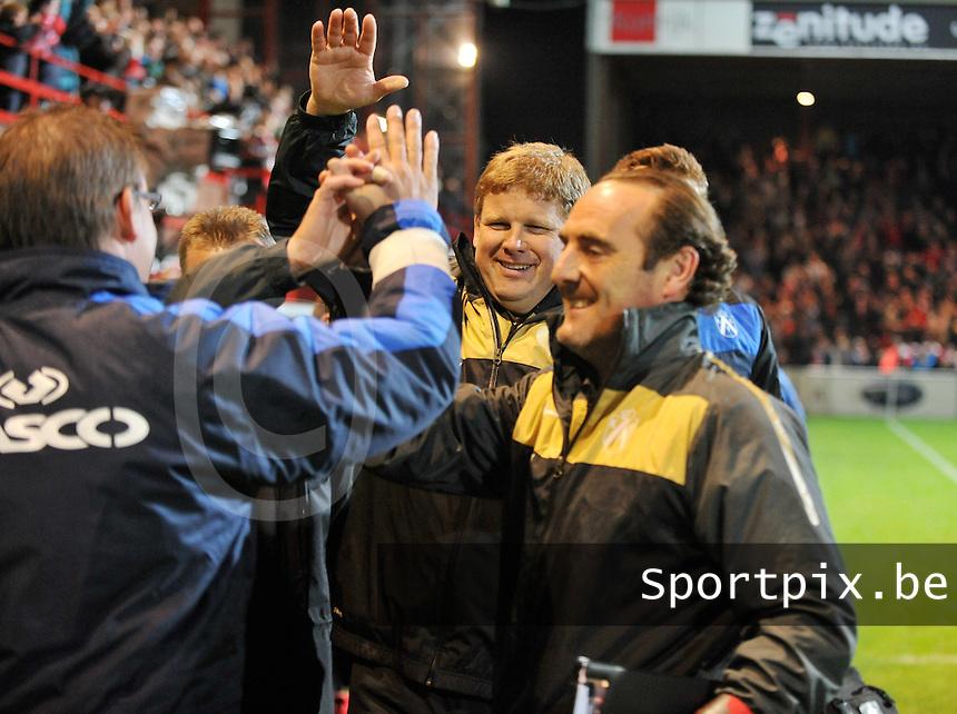 KV Kortrijk - Club Brugge KV : vreugde bij Hein Vanhaezebrouck en zijn staf na de overwinning.foto VDB / BART VANDENBROUCKE