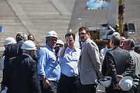 ATENCAO EDITOR IMAGEM EMBARGADA PARA VEICULOS INTERNACIONAIS - SAO PAULO, SP, 28 NOVEMBRO 2012 - COPA 2014 - VISTORIA ITAQUERAO - O secretario Geral da Fifa Jerome Valcke (D) e o prefeito e Sao Paulo Gilberto Kassab durante vistoria da Fifa ao Itaquerao, estadio que sediada o jogo de abertura da Copa do Mundo de 2014, neste quarta-feira, 28. (FOTO: WILLIAM VOLCOV / BRAZIL PHOTO PRESS).