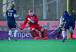 AMSTELVEEN - keeper Philip van Leeuwen (Adam) stopt een strafcorner , tijdens de competitie hoofdklasse hockeywedstrijd heren, Pinoke-Amsterdam (1-1)   COPYRIGHT KOEN SUYK