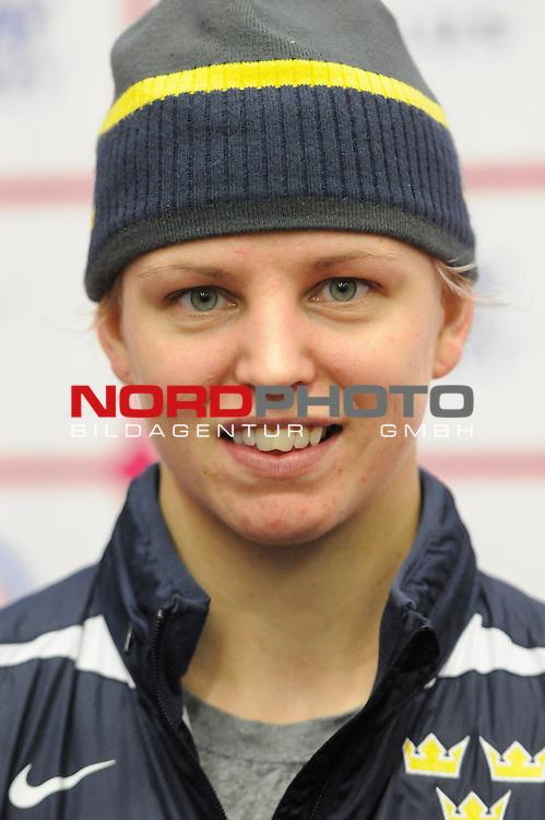 31.03.2015, Malm&ouml; Ishall, Malm&ouml; , SWE, IIHF Eishockey Frauen WM 2015, Deutschland (GER) vs Schweden SWE), im Bild, Interview mit Sara GRAHN (#1, SWE)<br /> <br /> ***** Attention nur f&uuml;r redaktionelle Berichterstattung *****<br /> <br /> Foto &copy; nordphoto / Hafner