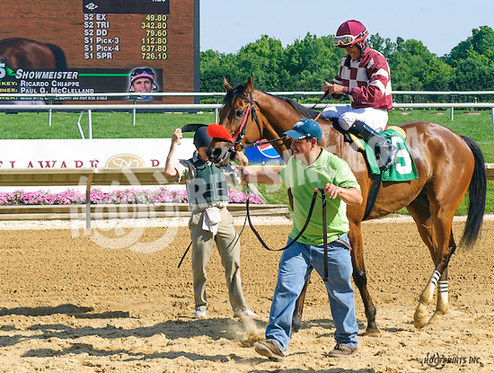 Showmeister winning at Delaware Park on 6/20/16