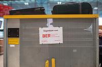 Die Flughafen Berlin Brandenburg GmbH lud am Montag den 25. November 2019 zu einem Pressebesichtigungstermin auf dem im Bau befindlichen Flughafen BER in Schoenefeld.<br /> Im Bild: Koffer, die fuer Tests der Arbeitsablaeufe in der Gepaeckabfertigung benoetigt werden.<br /> 25.11.2019, Schoenefeld<br /> Copyright: Christian-Ditsch.de<br /> [Inhaltsveraendernde Manipulation des Fotos nur nach ausdruecklicher Genehmigung des Fotografen. Vereinbarungen ueber Abtretung von Persoenlichkeitsrechten/Model Release der abgebildeten Person/Personen liegen nicht vor. NO MODEL RELEASE! Nur fuer Redaktionelle Zwecke. Don't publish without copyright Christian-Ditsch.de, Veroeffentlichung nur mit Fotografennennung, sowie gegen Honorar, MwSt. und Beleg. Konto: I N G - D i B a, IBAN DE58500105175400192269, BIC INGDDEFFXXX, Kontakt: post@christian-ditsch.de<br /> Bei der Bearbeitung der Dateiinformationen darf die Urheberkennzeichnung in den EXIF- und  IPTC-Daten nicht entfernt werden, diese sind in digitalen Medien nach §95c UrhG rechtlich geschuetzt. Der Urhebervermerk wird gemaess §13 UrhG verlangt.]