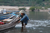 "S?dostasien Asien Indochina Laos Mekong Region .Menschen und Boote in Muang Ngoi am Fluss Nam Ou , ein Nebenfluss des Mekong -  Landschaft Wasser Fluesse xagndaz | .South East Asia Indochine Laos .people and boats in Muang Ngoi at river Nam Ou , a branch of Mecong  - landscape .| [ copyright (c) Joerg Boethling / agenda , Veroeffentlichung nur gegen Honorar und Belegexemplar an / publication only with royalties and copy to:  agenda PG   Rothestr. 66   Germany D-22765 Hamburg   ph. ++49 40 391 907 14   e-mail: boethling@agenda-fototext.de   www.agenda-fototext.de   Bank: Hamburger Sparkasse  BLZ 200 505 50  Kto. 1281 120 178   IBAN: DE96 2005 0550 1281 1201 78   BIC: ""HASPDEHH"" ,  WEITERE MOTIVE ZU DIESEM THEMA SIND VORHANDEN!! MORE PICTURES ON THIS SUBJECT AVAILABLE!!  ] [#0,26,121#]"