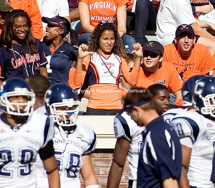 CHARLOTTESVILLE, VA- 13 OCT 2007- 101307JT19- <br /> UVA fans heckle UConn players before Saturday's game at Virginia. UConn lost 16-17.<br /> Josalee Thrift / Republican-American