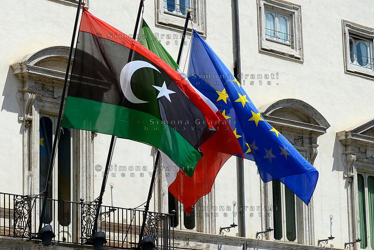 Roma, 26 Luglio 2017<br /> Bandiera libica, italiana e europea issate a Palazzo Chigi durante l'incontro tra<br /> il primo ministro italiano e il primo ministro libico .