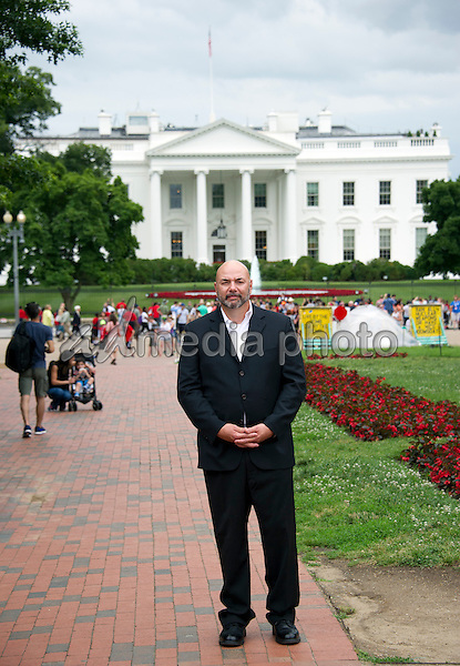 Gary J Byrne Quotcrisis Of Character A White House Secret