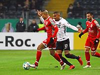 Robin Quaison (1. FSV Mainz 05) gegen Kevin-Prince Boateng (Eintracht Frankfurt) - 07.02.2018: Eintracht Frankfurt vs. 1. FSV Mainz 05, DFB-Pokal Viertelfinale, Commerzbank Arena