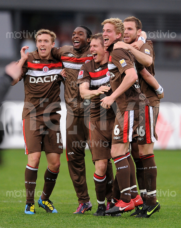 2. Fussball Bundesliga :  Saison   2009/2010   33. Spieltag SpVgg Greuther Fuerth - FC St. Pauli       02.05.2010 Pauli Jubel
