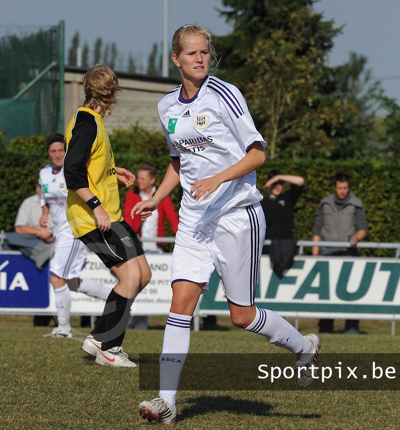 DVK Egem - RSC Anderlecht : Sien Leemans.foto DAVID CATRY / Vrouwenteam.be